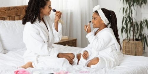 mom and daughter pampering